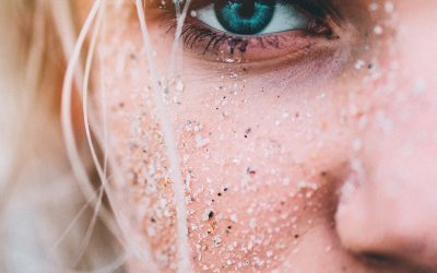 Cómo cerrar los poros abiertos de la cara