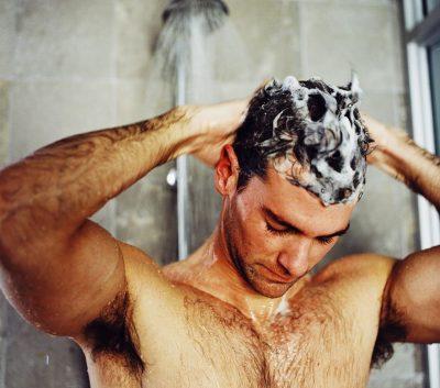 ¿Cada cuánto deberías lavarte el pelo?